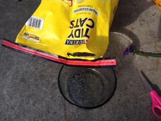Container for Pressing Cat Litter NoFarmneeded